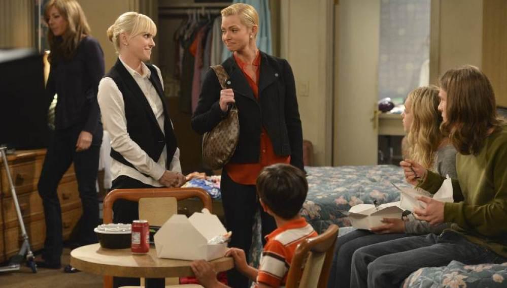 Christy no es consciente de la ruina familiar que les acecha