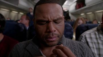 Dre soborna a Zoey para no viajar en avión