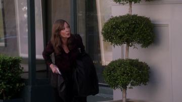 Christy busca una forma de pagar los estudios, y Bonnie la encuentra