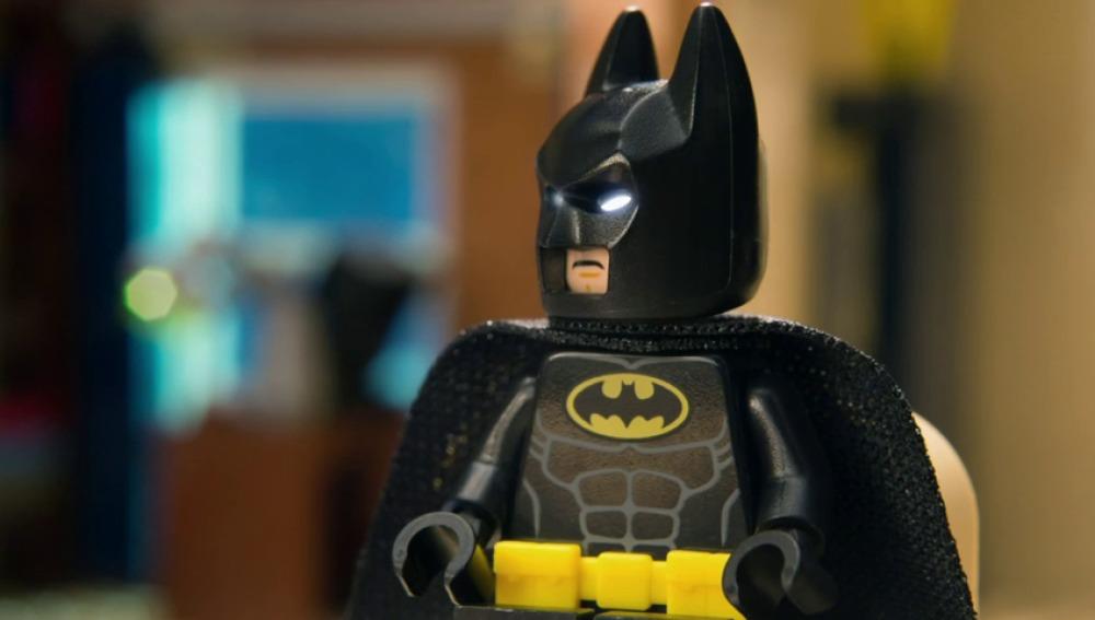"Frame 0.181804 de: ""Christian Bale y George Clooney son los mejores Batman"""