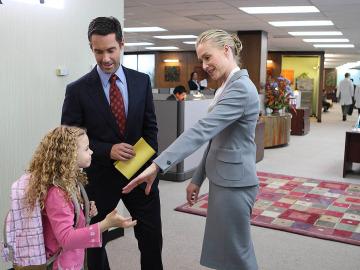 Ted, su hija y Verónica