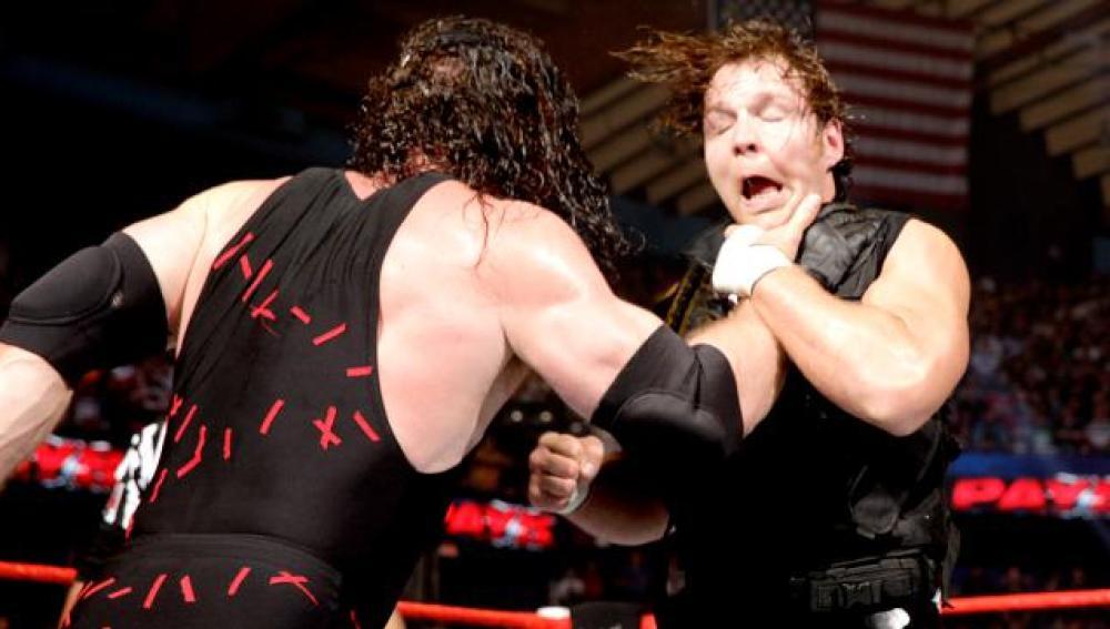Dean Ambrose contra el monstruo rojo, Kane: los dos hombres más trastornados de la WWE