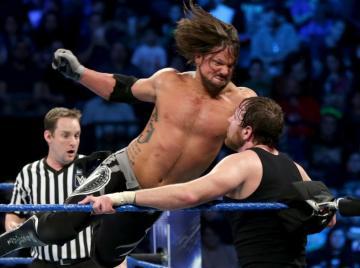 AJ Styles se impone a Ambrose en el Main Event de la marca azul