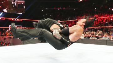 Tensión máxima entre Undertaker y Reings de cara a Wrestlemania 33