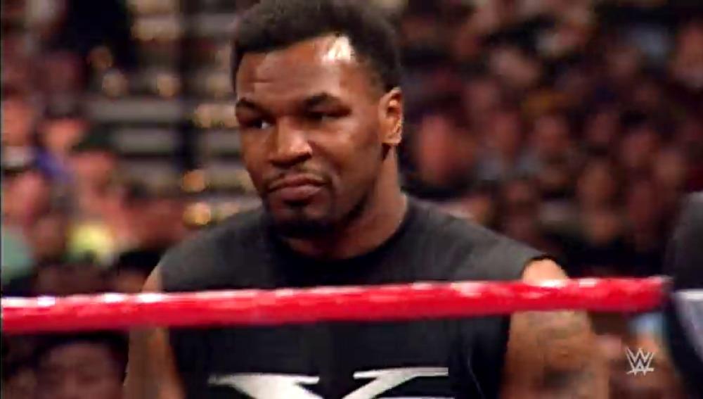 Frame 12.785886 de: ¿Cuáles son los 5 mejores combates de la historia de WWE Wrestlemania?