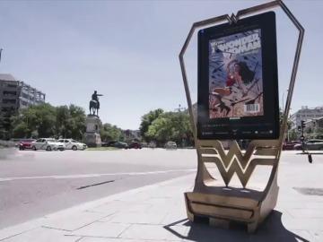 Frame 8.682667 de: 10 Ilustradores homenajean en Madrid el 75 aniversario de Wonder Woman