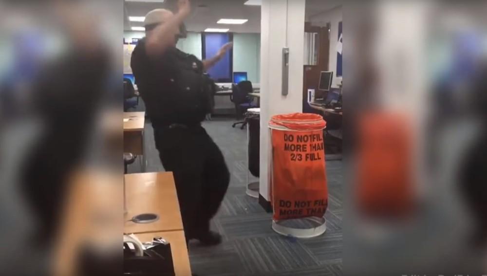 Policía con realidad virtual