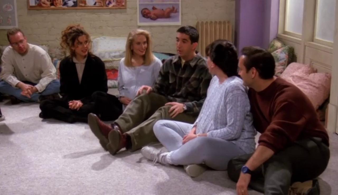 Ross, Carol y su amante van a clase de parto juntos