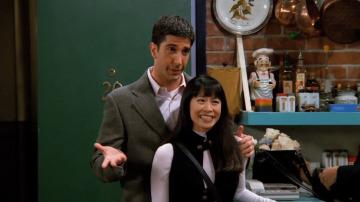 A Rachel le da un ataque de celos por Ross y Julie