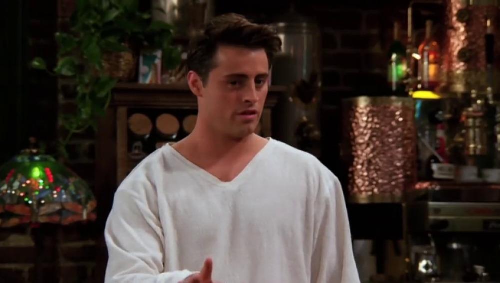 Joey no es bueno besando