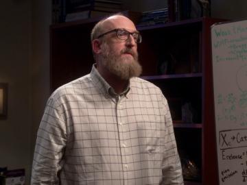 Sheldon trabaja mano a mano con Bert