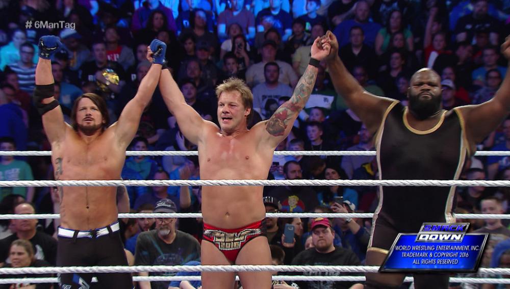 AJ Styles, Chris Jericho y Mark Henry vencen a los campeones por parejas en 'SmackDown'