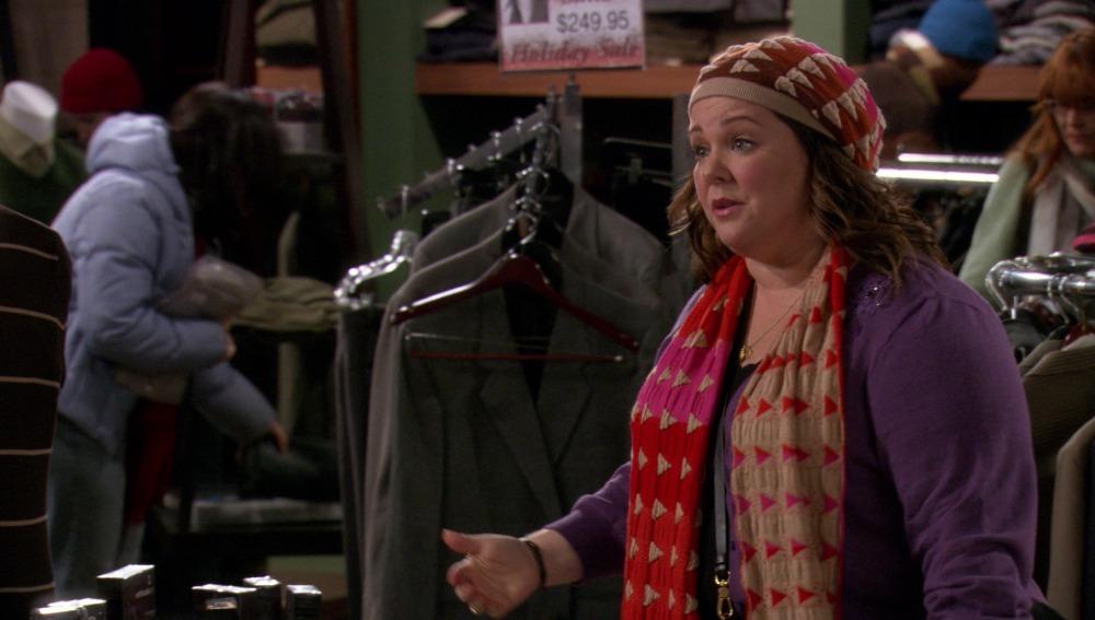 Molly desesperada porque no encuentra un regalo de Navidad para Mike