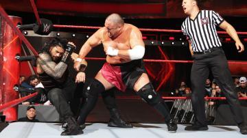 Somoa Joe barre en su primer combate de 'Raw'
