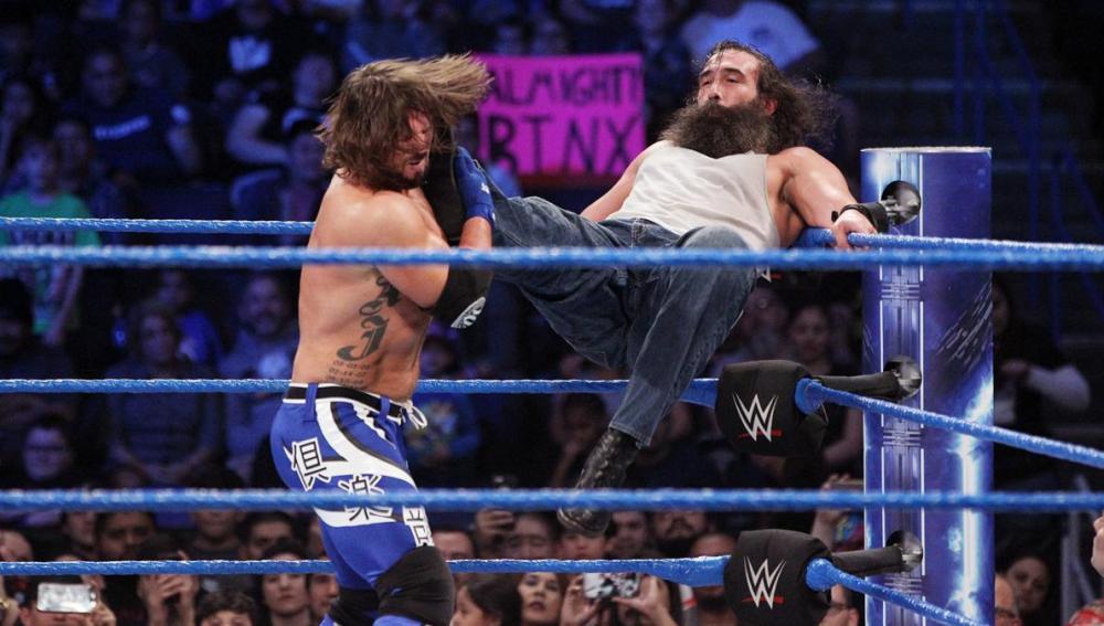 La Battle Royal queda en empate entre AJ Styles y Luke Harper en 'SmackDown Live'