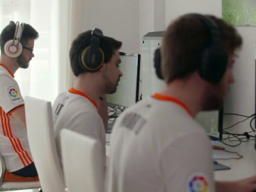 Frame 170.475216 de: El  equipo de eSports del Valencia CF llega al terreno virtual en 'Neox Games'