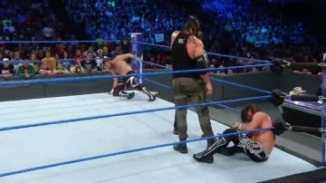 Frame 31.542857 de: ¡Dean Ambrose es el nuevo campeón intercontinental!
