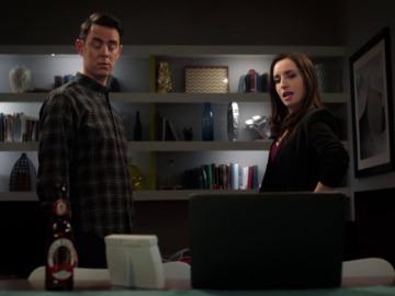 Frame 82.272777 de: Greg se queda sin trabajo, pero no cuenta con la sorpresa que le cuenta Jen