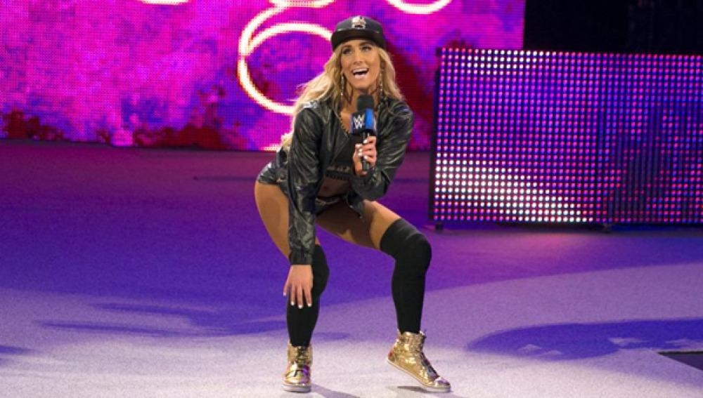 """Charlamos con la """"Fabulosa"""" Carmella, en Más WWE"""