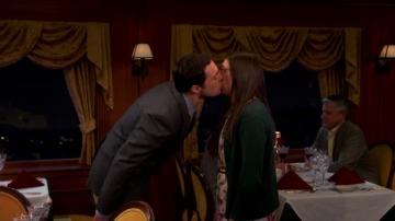 El primer beso entre Sheldon y Amy
