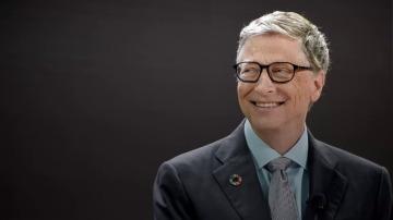 Bill Gates participa en un Amigo Invisible online y le regala algo gigantesco a una desconocida