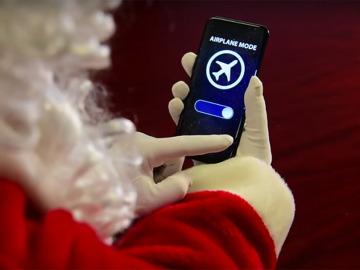 Papá Noel pone su móvil en modo avión