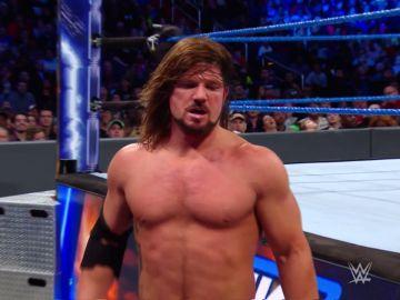 Aj Styles no puede contra el dúo Zayn-Owens
