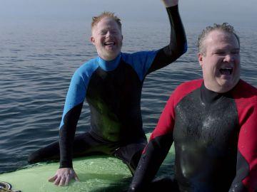 Mitchell y Cameron deciden vivir la vida
